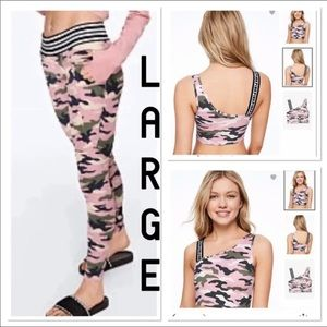 NWT VS PINK LARGE PINK AND GREEN CAMO SET